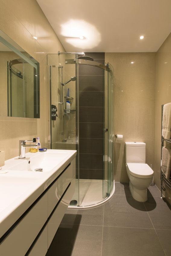 BR Plumbing & heating Bathroom image